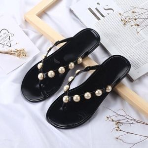 Shoes - Pear flip flops